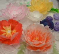 Toots cake candy supplies wafer paper flowers wafer paper flowers are a fun easy lightweight alternative to heavy sugar decorations these edible creations will add elegance beauty to any cake mightylinksfo